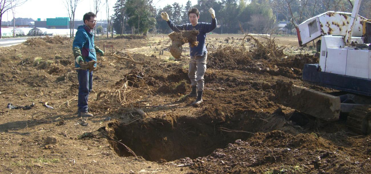 開墾作業5日目。だいぶ畑も耕されてきました